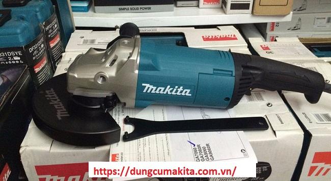 Makita GA7060