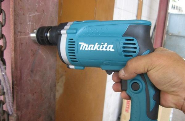 Máy khoan đa năng Makita chức năng khoan búa